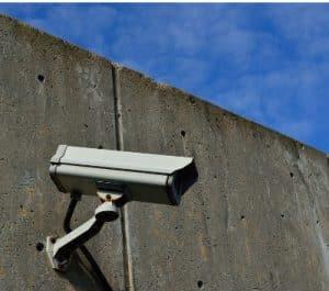 מצלמות אבטחה במתחם האחסון